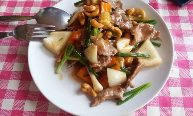 Boeuf sauté aux noix de cajou (Nua Phad Med Mamuang Himaphan) (เนื้อผัดเม็ดมะม่วงหิมพานต์)