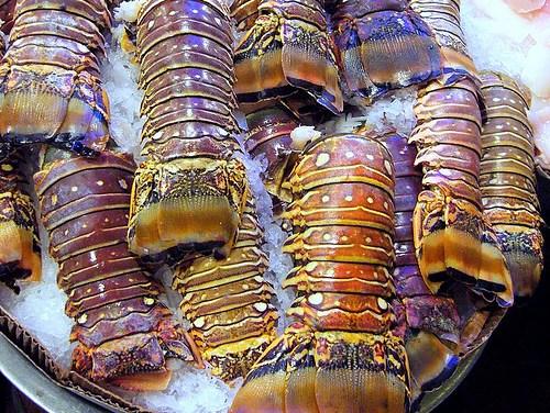 Queues de langouste caramélisées au wok