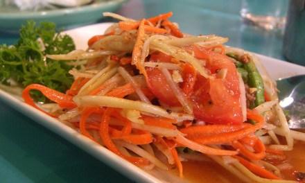 Som Tam (salade de papaye verte) (ส้มตำ)