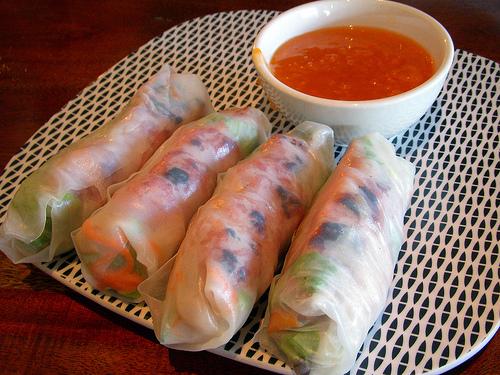 Nems thaïlandais (Poh pia tod) (ปอเปี๊ยะทอด)