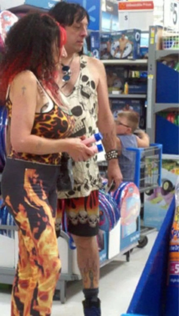 35 Bizarre People of Walmart That Are The Best Freak Ever -07