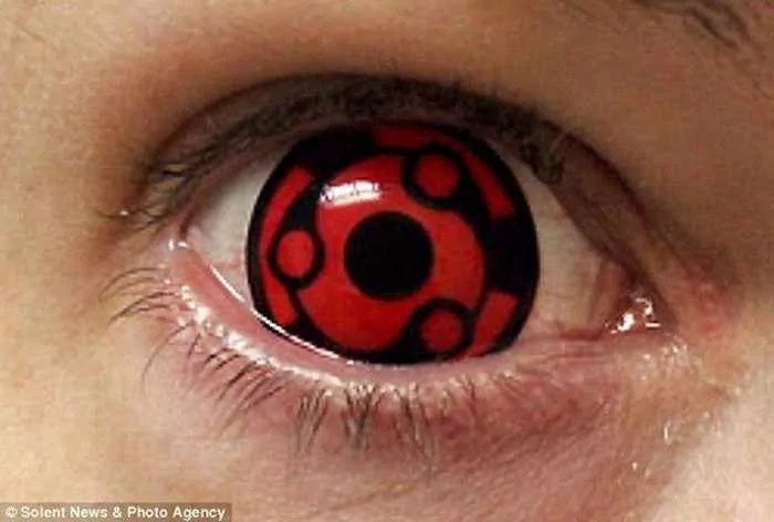 Dreadful Scary Contact Lenses - 7 Pics -07