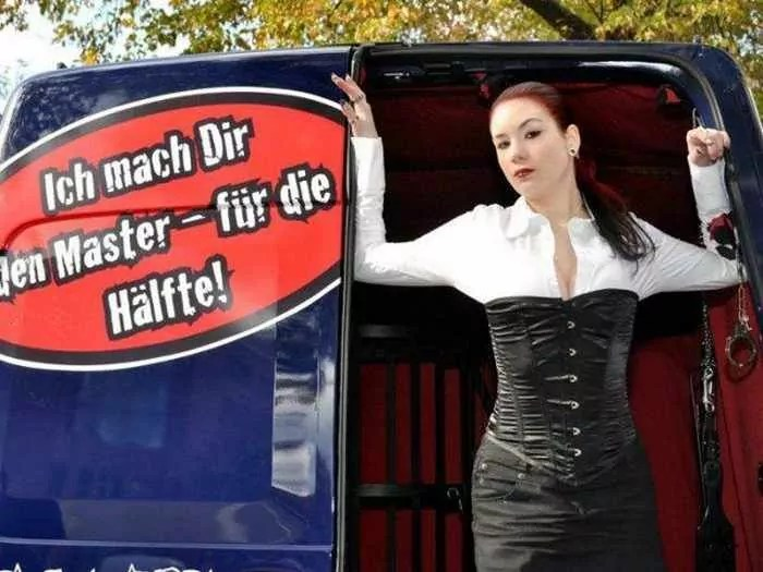 Funny Domina Mobil Car For Entertainment Lovers-05