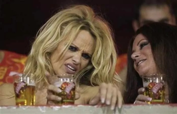 The 40 Most Shocking Pics of Drunk Celebrities Will Shock You -03