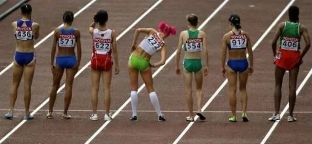 12 Funny Sport Moments Captured At Perfect Time -04