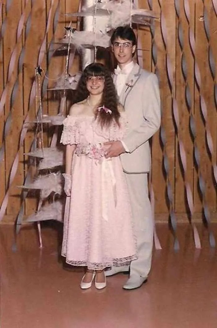 50 Ridiculous 80's Prom Photos That Will Make You Laugh -26