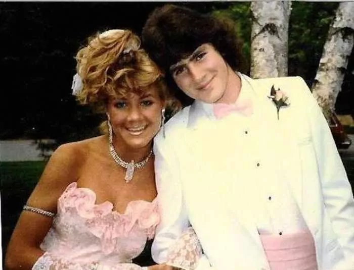 50 Ridiculous 80's Prom Photos That Will Make You Laugh -28