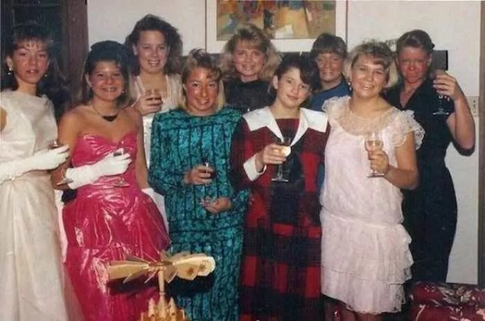50 Ridiculous 80's Prom Photos That Will Make You Laugh -39
