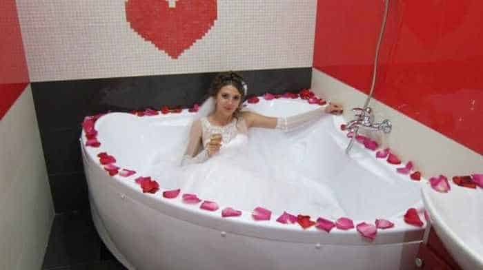 40 Ridiculous Photos of Russian Weddings That Are Hilarious -01