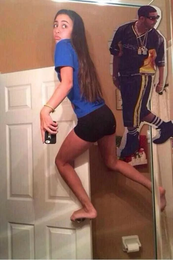 25 Ridiculous Selfies Gone Wrong - The Worst Selfies Ever-16