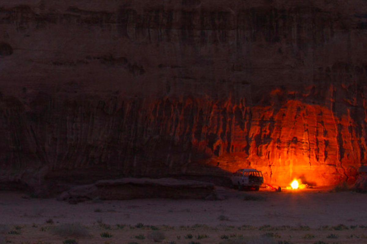 Cave Experience in Wadi Rum - Sleep under the stars