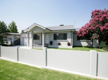 Front of Wagga home