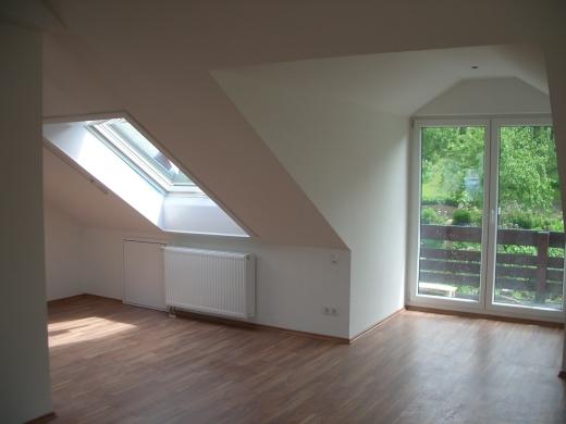 Dachbodenausbau zur Dachgeschosswohnung mit Dachschrgen