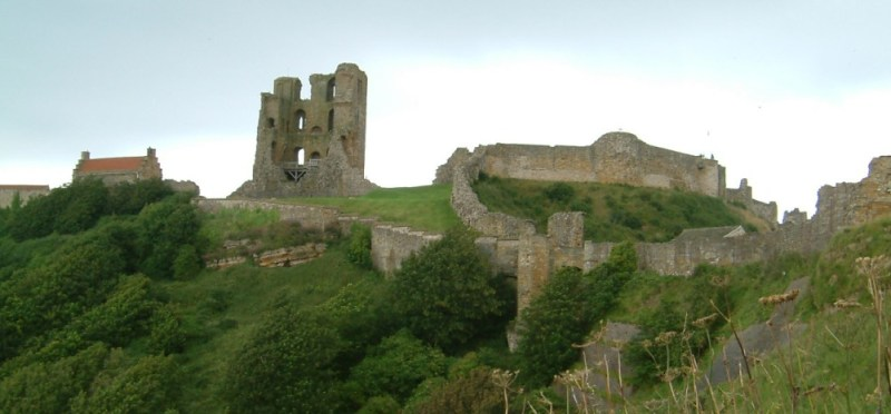 wag cool Scarborough Castle