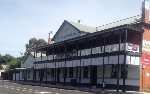 Thb Nannup Riverview Cottage Hotel In Nannup