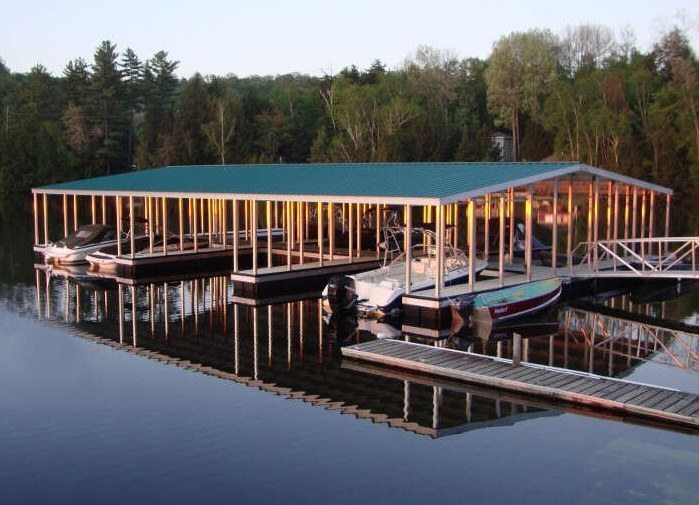 wahoo aluminum docks commercial community dock with gable roof and aluminum gangway