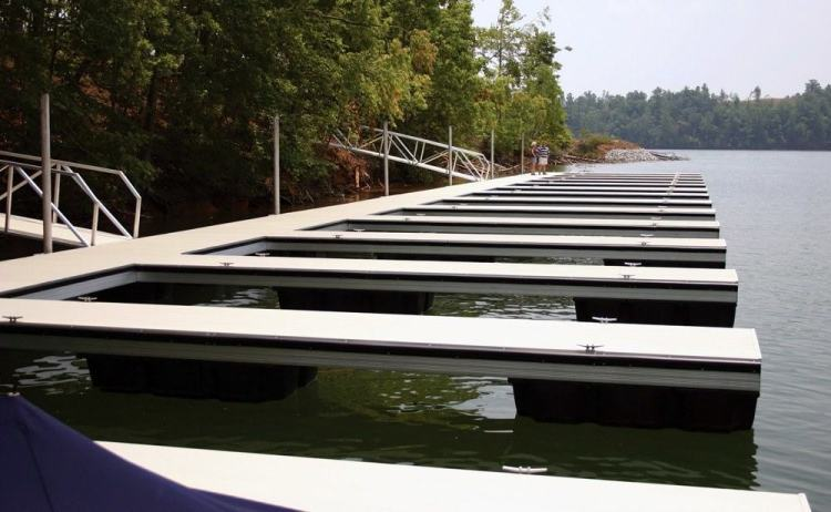 wahoo aluminum floating docks with dock slips and aluminum dock decking plus dual dock gangways