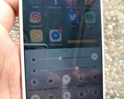 Unboxing the Vivo V5 Lite and specifications