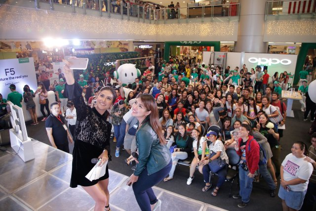 OPPO-SM-Megamall-with-Sanya-Lopez