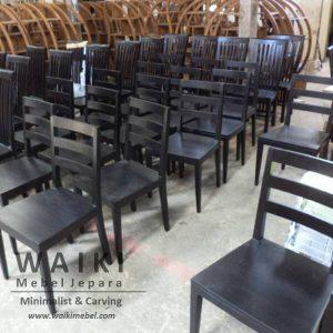 gudang produksi mebel jepara,jepara furniture indonesia,proses finishing mebel jati jepara,Jepara kota furniture Indonesia kualitas mebel ekspor