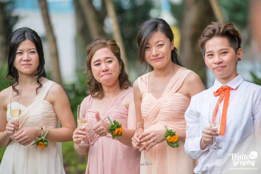 touching moment of a lawn wedding in hk captured by hk wedding photographer
