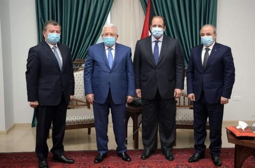 المخابرات المصرية والأردنية تضغط على أبو مازن لإلغاء الانتخابات