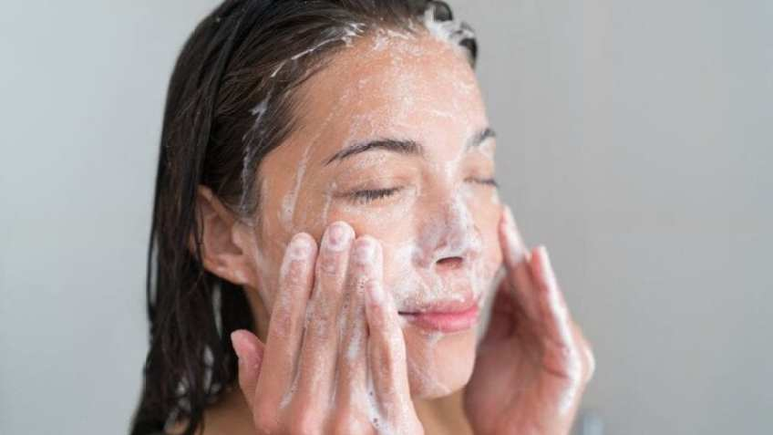 best face washes for oily skin - featured