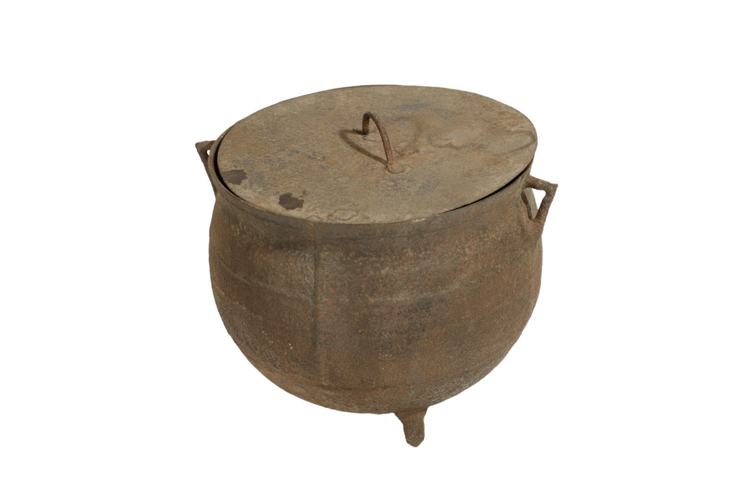 Cast Iron Pot With Lid And Handle
