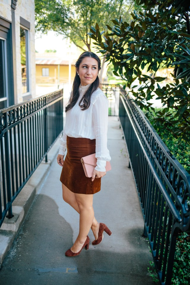 Texture for Fall on Waketon Road Blog wearing J.Crew mini skirt and Ann Taylor accessories