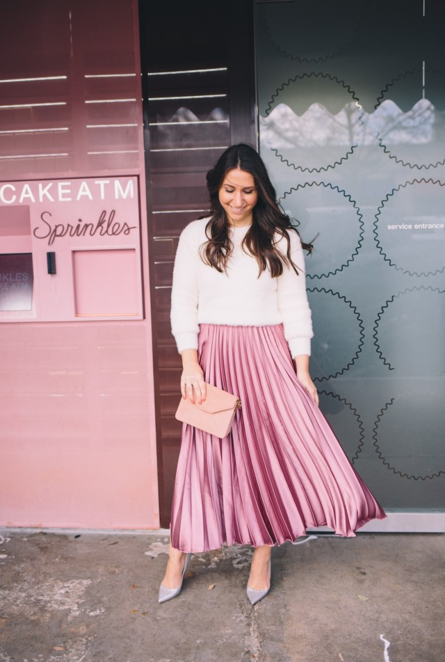 Valentine's Day outfit inspiration on Waketon Road Blog wearing Romwe