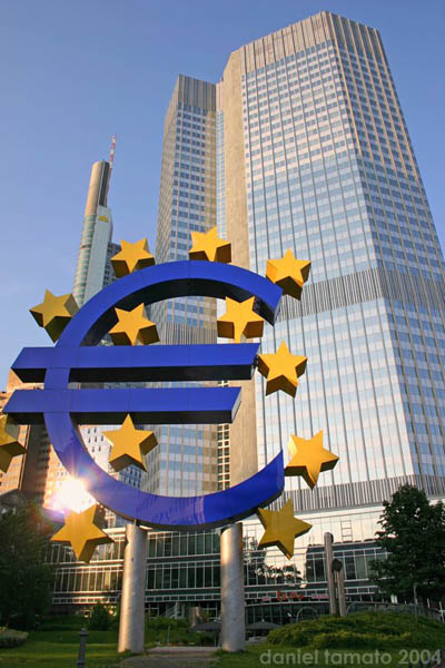 Bce Alle Banche Quasi 500 Miliardi Wakeupnews