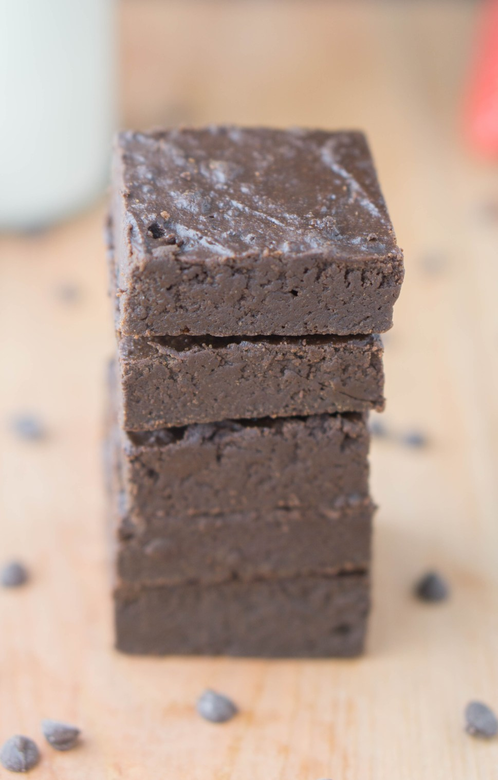BEST EVER Chocolate Fudge Brownies! They're HEALTHY -- sugar-free & butter-free | #healthy #brownies #recipe | www.wakeuptowaffles.com