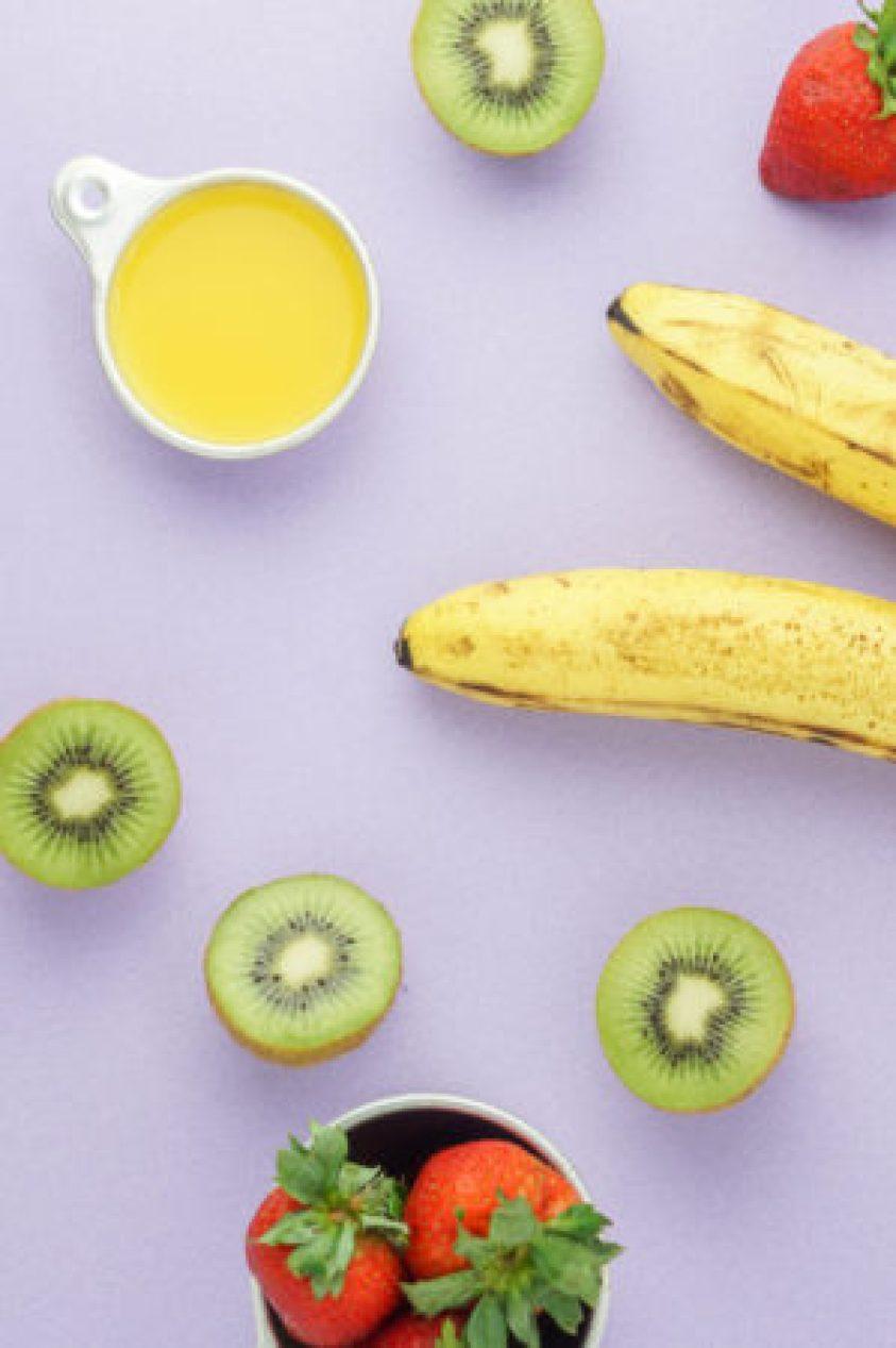 Strawberry Kiwi Banana Smothie Bowl! #vegan #smoothiebowl #kiwi #strawberry #banana_  www.wakeuptowaffles.com