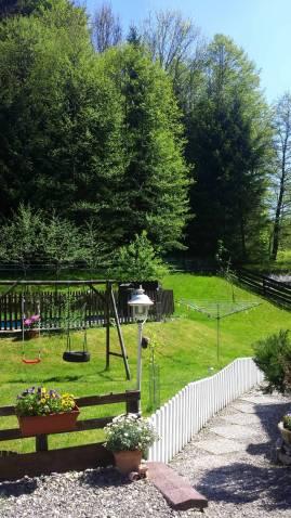 Garten mit Schaukel FeWo
