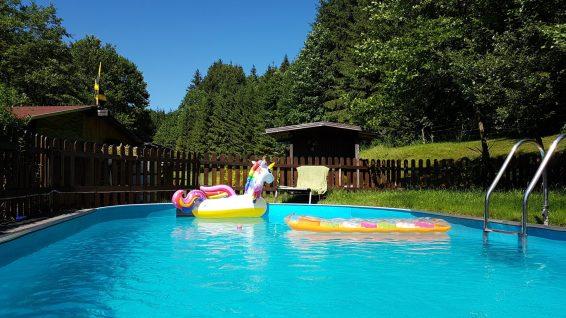 Swimmingpool Ferienwohnung Wald Kobel