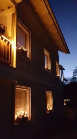 Ansicht der Seite des Hauses der Ferienwohnung