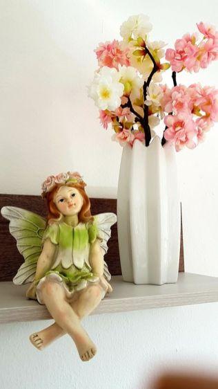 Kleine Elfe im Schlafzimmer Sacherl Wald Kobel