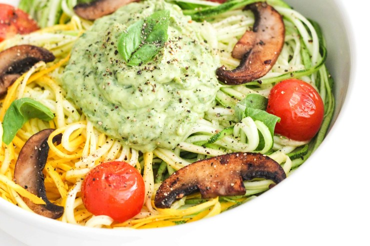Zucchini noodles with creamy avocado pesto (vegan)