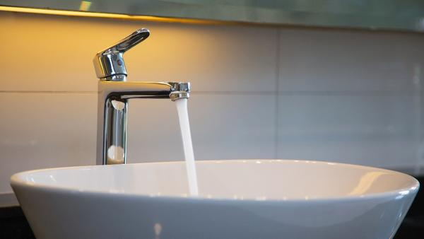 quickly fix a spinning faucet handle