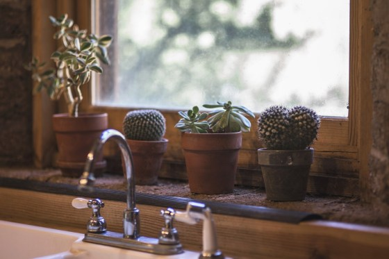 How to Buy the Best Kitchen Faucets