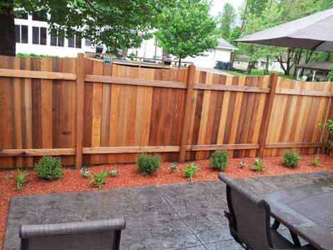 edging rock mulch & fencing services