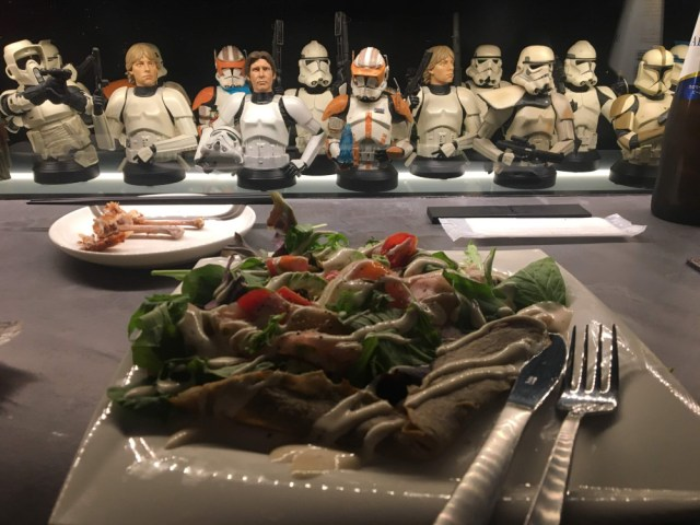 bbgeek food and busts of skywalker and stormtroopers