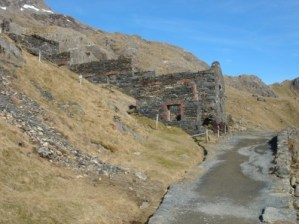 This is where we should have turned right to meet the PYG Track