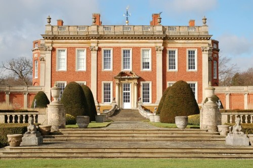 Walks And Walking - Top 5 Northamptonshire Walks - Cottesbrooke Hall and Gardens
