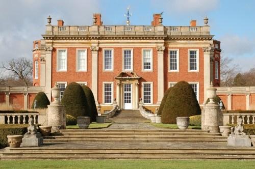 Walks And Walking - Top 5 Northamptonshire Walks - Cottesbrooke Hall and Gardens