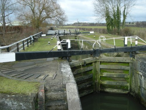 Walks And Walking - Top 5 Northamptonshire Walks - Whilton Locks
