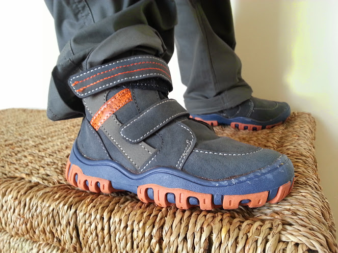 Walks And Walking - Mountain Warehouse Kids - Walking Boots