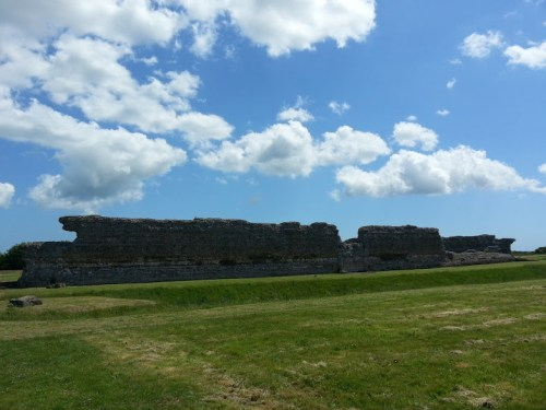Walks And Walking - Sandwich Walk in Kent - Richborough Roman Fort