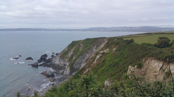 Walks And Walking - Par Sands Walk In Cornwall - Little Gribbin