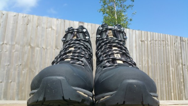 Salomon-Quest-4D-2-GTX-Mens-Hiking-Boot-Front